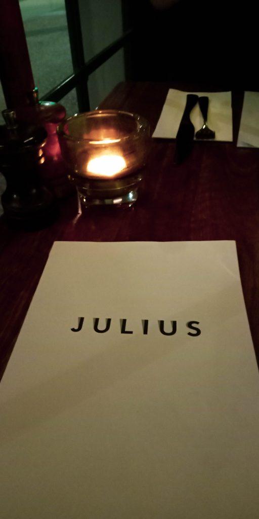 Julius Pizzeria sign